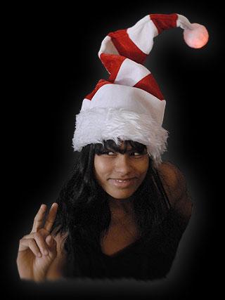 Mega kerstmuts met rode ringen en LED pompom