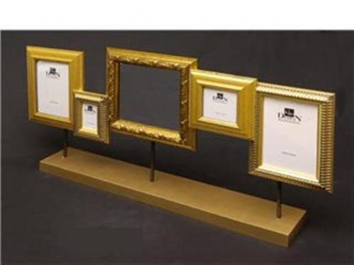 Spiegel met 4 fotolijstjes